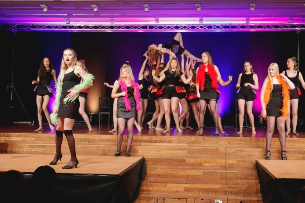 Årets musical på hasseris gymnasium! 83552183 10213243597284962 8362245155729702912 o 3